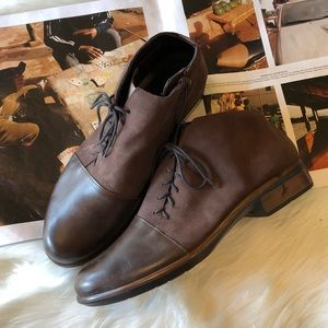 Naot Camden Brown Suede Lace Up Ankle Booties 40
